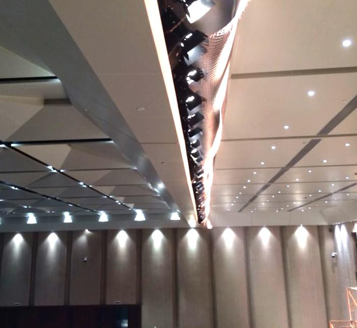 Zhaoqing Dinghu Theater LED surface light design effect